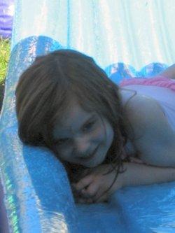 Amelia_garden_waterslide_01